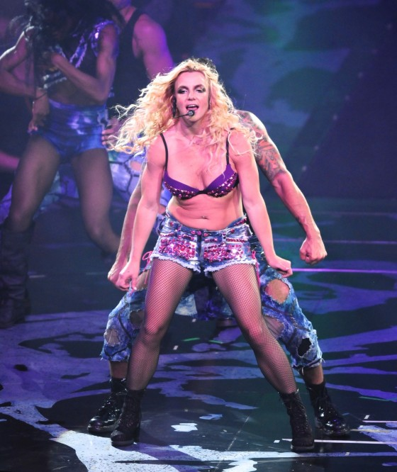 Britney Spears Perform Live at Honda Center in Anaheim – June 24-08