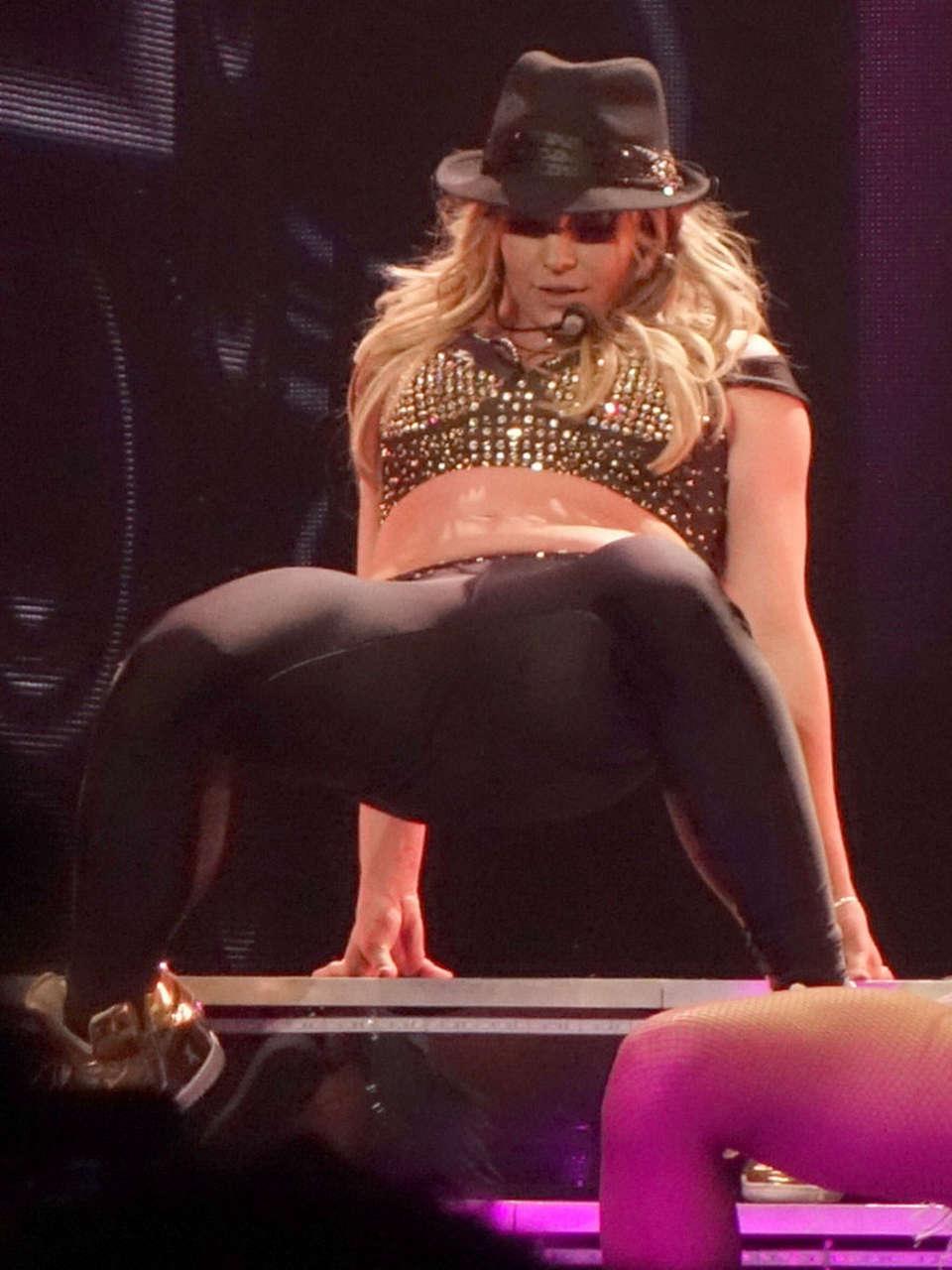 Britney Spears Piece Of Me Laser Pics -12 | GotCeleb