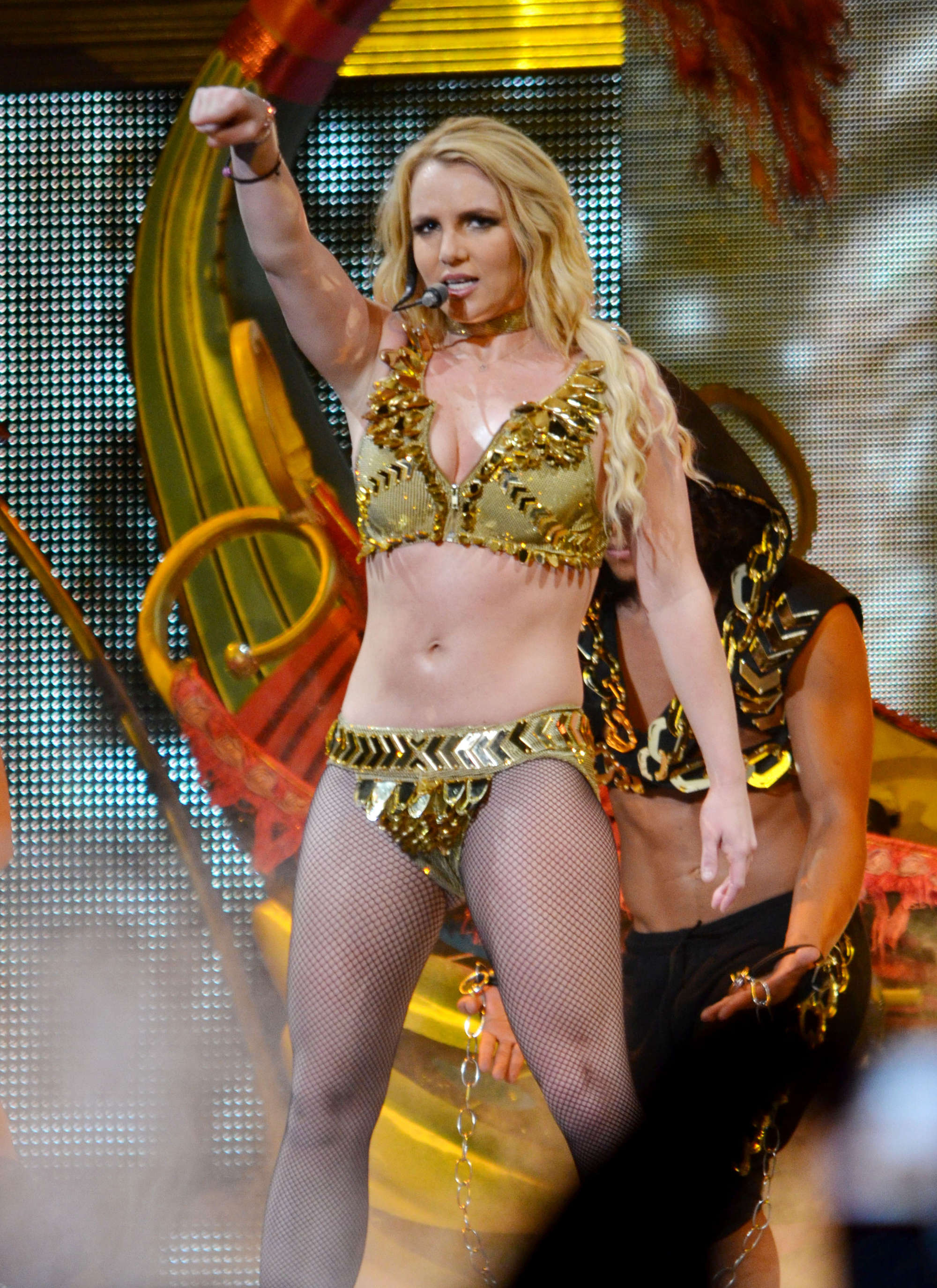 Britney Spears – Leggy and Cleavage at Performing in Puerto Rico-19