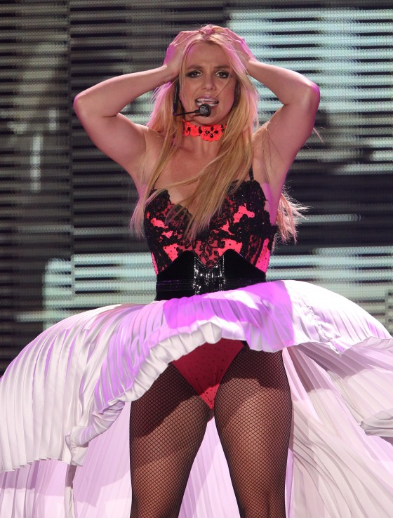 Britney Spears – Performs in Moscow -06