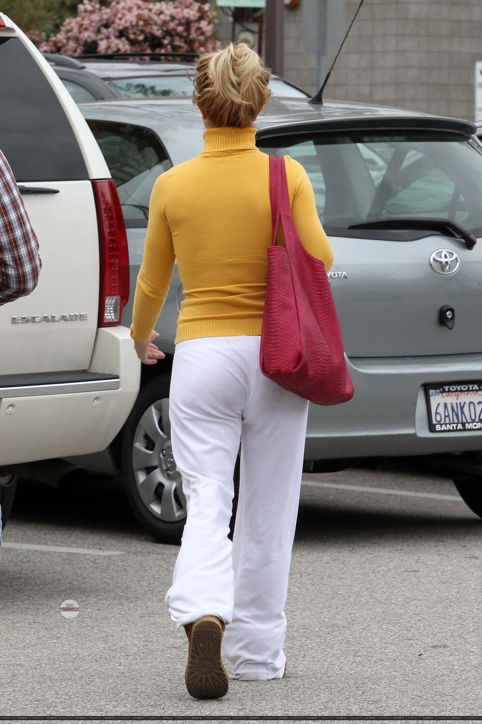 Britney Spears 2010 : britney-spears-tight-top-candids-in-westwood-03