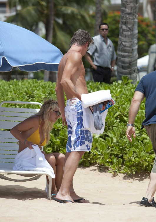 Britney Spears Yellow Bikini Candids in Hawaii Pic 10 of 35