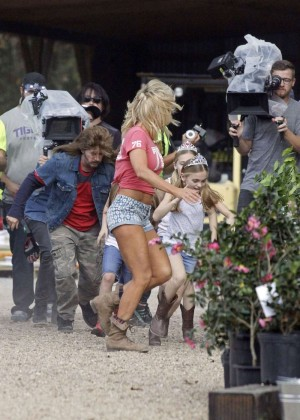 Brittany Daniel in Jeans Shorts on Joe Dirt 2 set -04