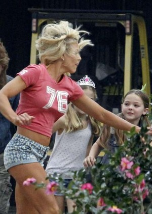 Brittany Daniel in Jeans Shorts on Joe Dirt 2 set -05