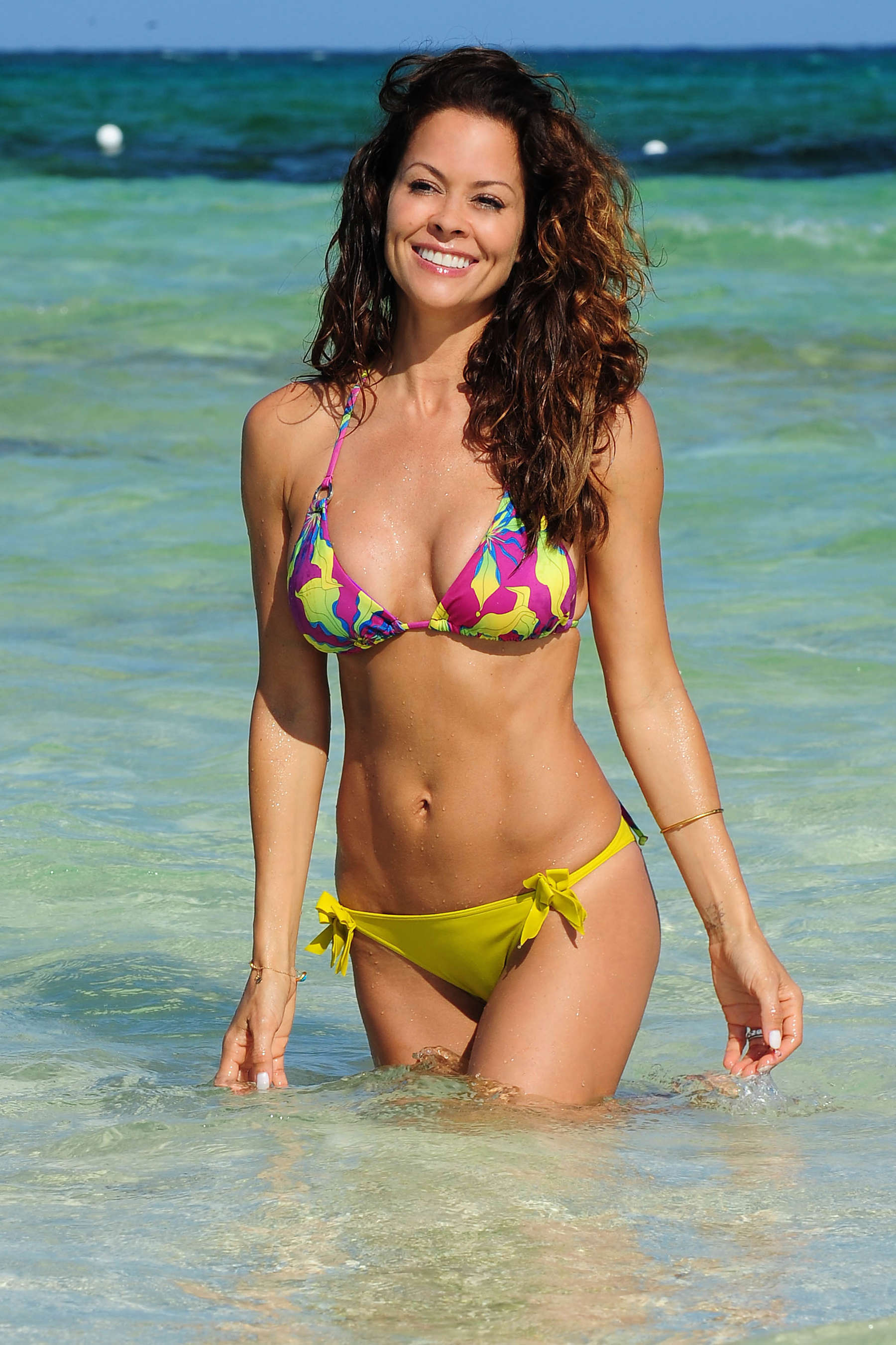Back to post Brooke Burke – Bikini in Mexico (May 2013)