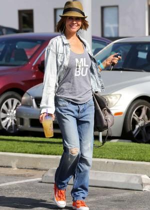 Brooke Burke in Jeans Leaving -01