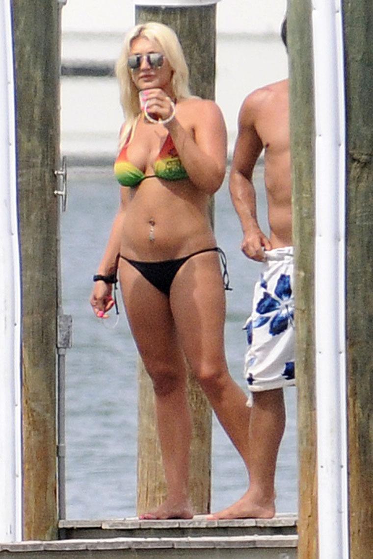 Brooke Hogan 2010 : brooke-hogan-in-a-bikini-again-15