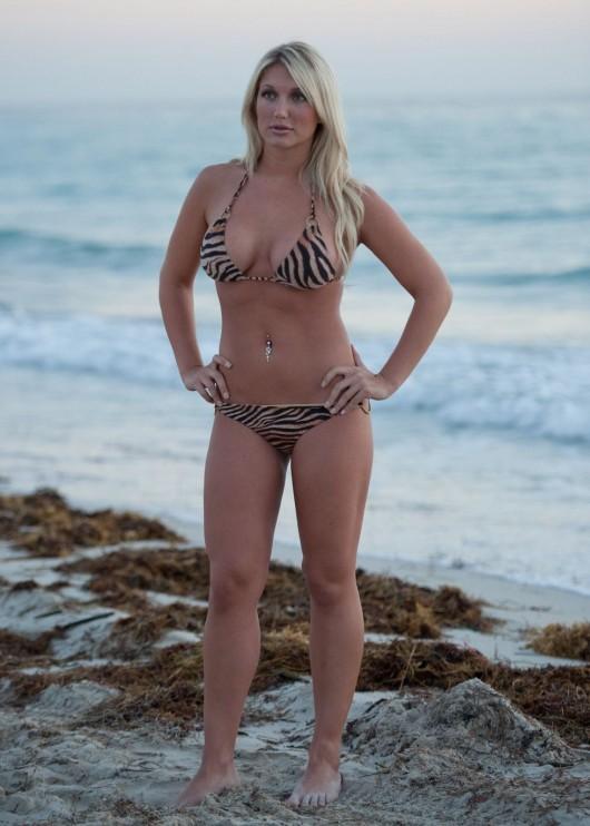 brooke hogan in bikini for a shoot in miami beach 05 | GotCeleb