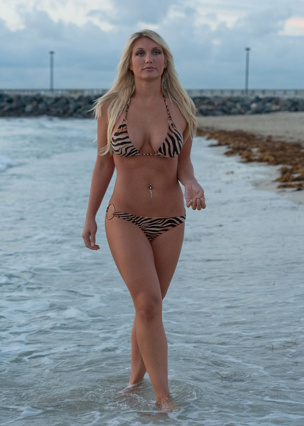 brooke hogan in bikini for a shoot in miami beach 07 | GotCeleb