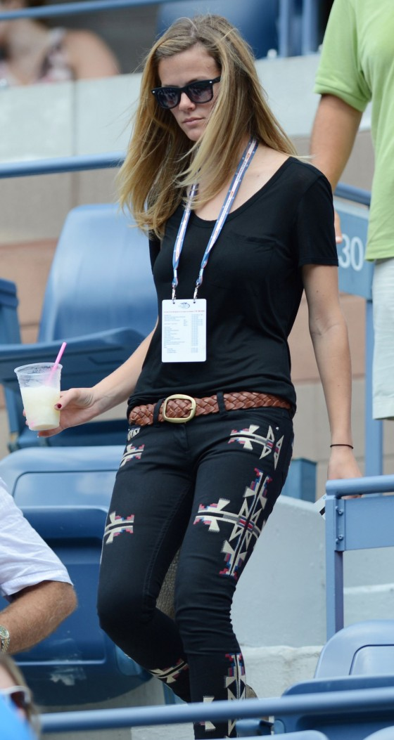 Brooklyn Decker In thight jeans at US Open 2012