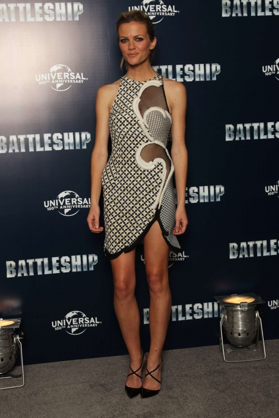Brooklyn Decker at Battleship Photocall-01