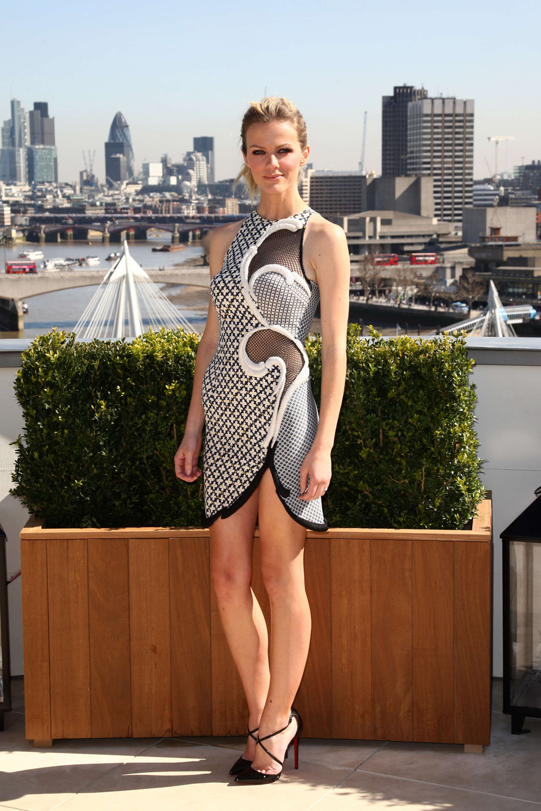 Brooklyn Decker at Battleship Photocall-12