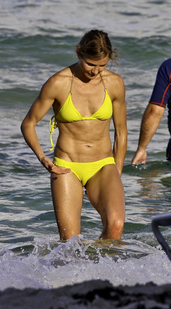 Cameron Diaz – New Bikini Pics in South Beach 2011-02 ... Cameron Diaz Pregnant August 2018