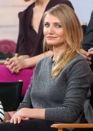 "Cameron Diaz - Promotes ""Annie"" in GMA Show in NY"