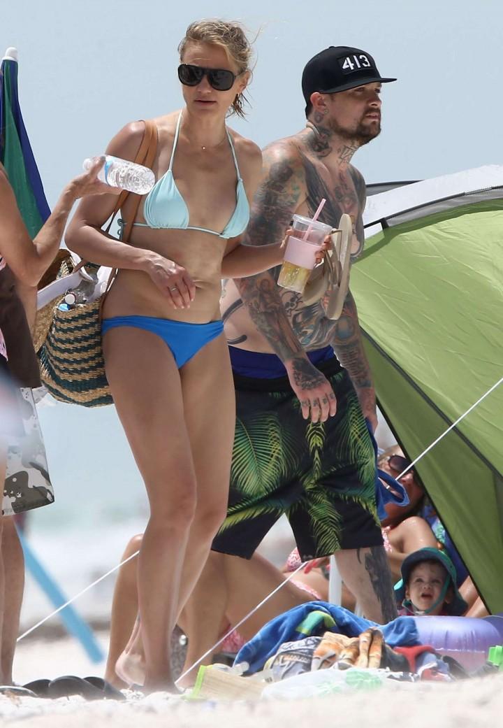 Cameron Diaz  hot bikini photos: in Florida 2014 -24