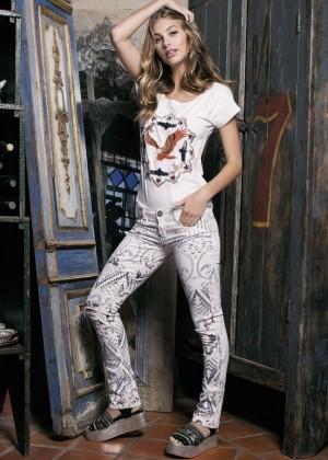 Camila Morrone: Primavera-Verano Clothing 2015 -05