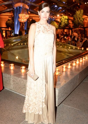 Camilla Belle: 2014 Mid-Winter Gala -10