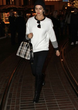 Camilla Belle - Shopping in Hollywood