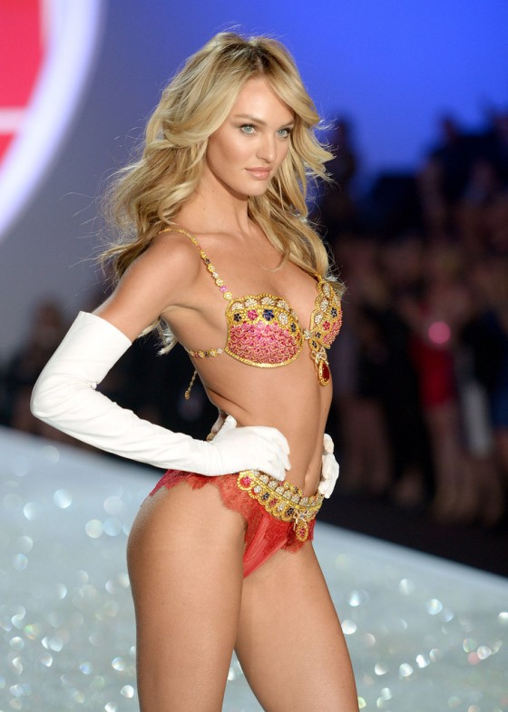 Candice Swanepoel – 2013 Victoria's Secret Fashion Show Runway in NYC