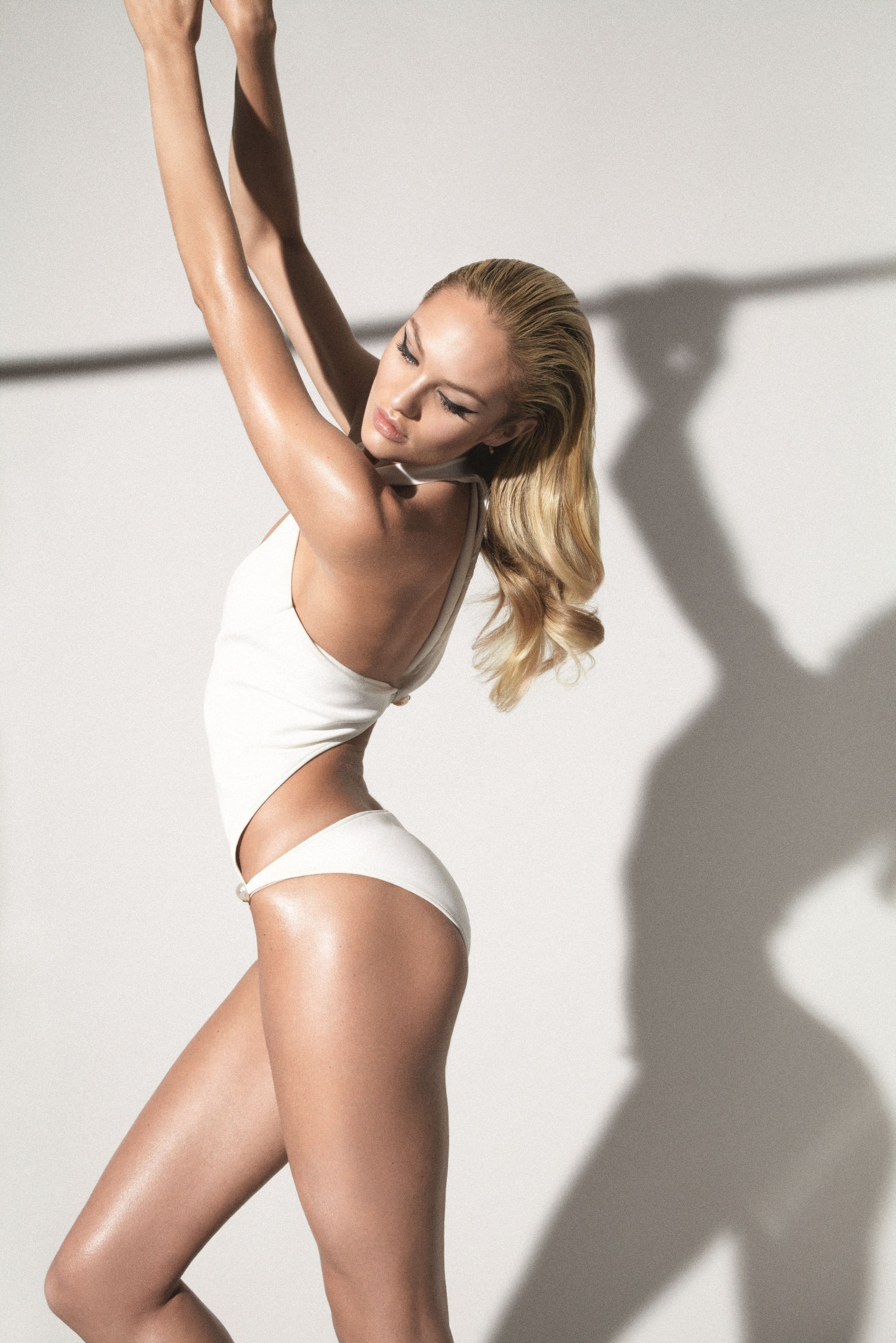 Candice Swanepoel 2012 : candice-swanepoel-collier-schorr-photoshoot-for-muse-magazine-13