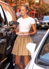 candice-swanepoel-leggy-candids-in-nyc-01