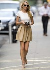 candice-swanepoel-leggy-candids-in-nyc-09