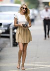 candice-swanepoel-leggy-candids-in-nyc-15