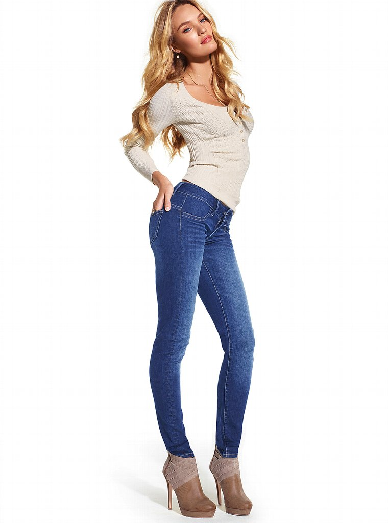 Best Jeans For Curvy Short Women