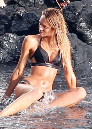 Candice Swanepoel: VS Bikini Shoot -05