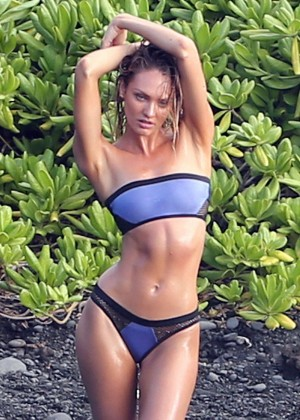 Candice Swanepoel: VS Bikini Shoot -12
