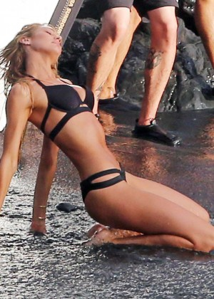 Candice Swanepoel - Victoria's Secret Bikini Photoshoot in Hawaii