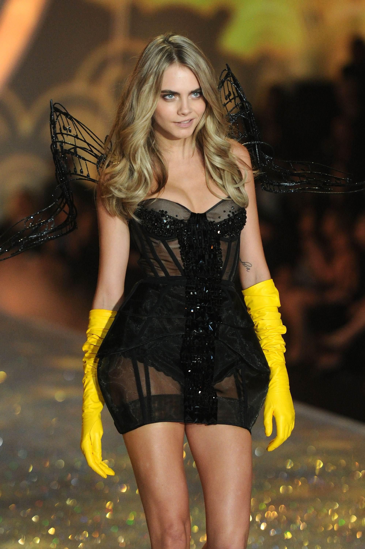 Cara Delevingne Victorias Secret Fashion Show Runway 2013 13 Gotceleb
