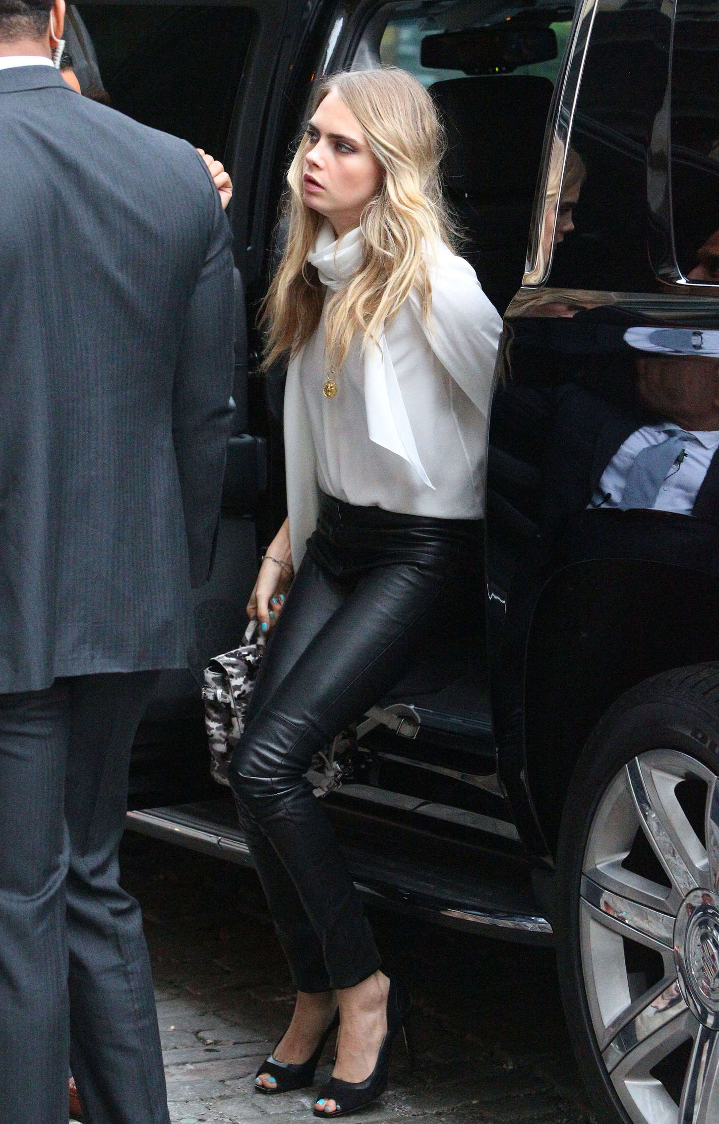 Cara Delevingne Out In New York City Gotceleb