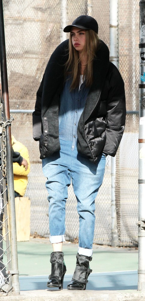 Cara Delevingne – PhotoShoot Candids in Greenwich Village -02