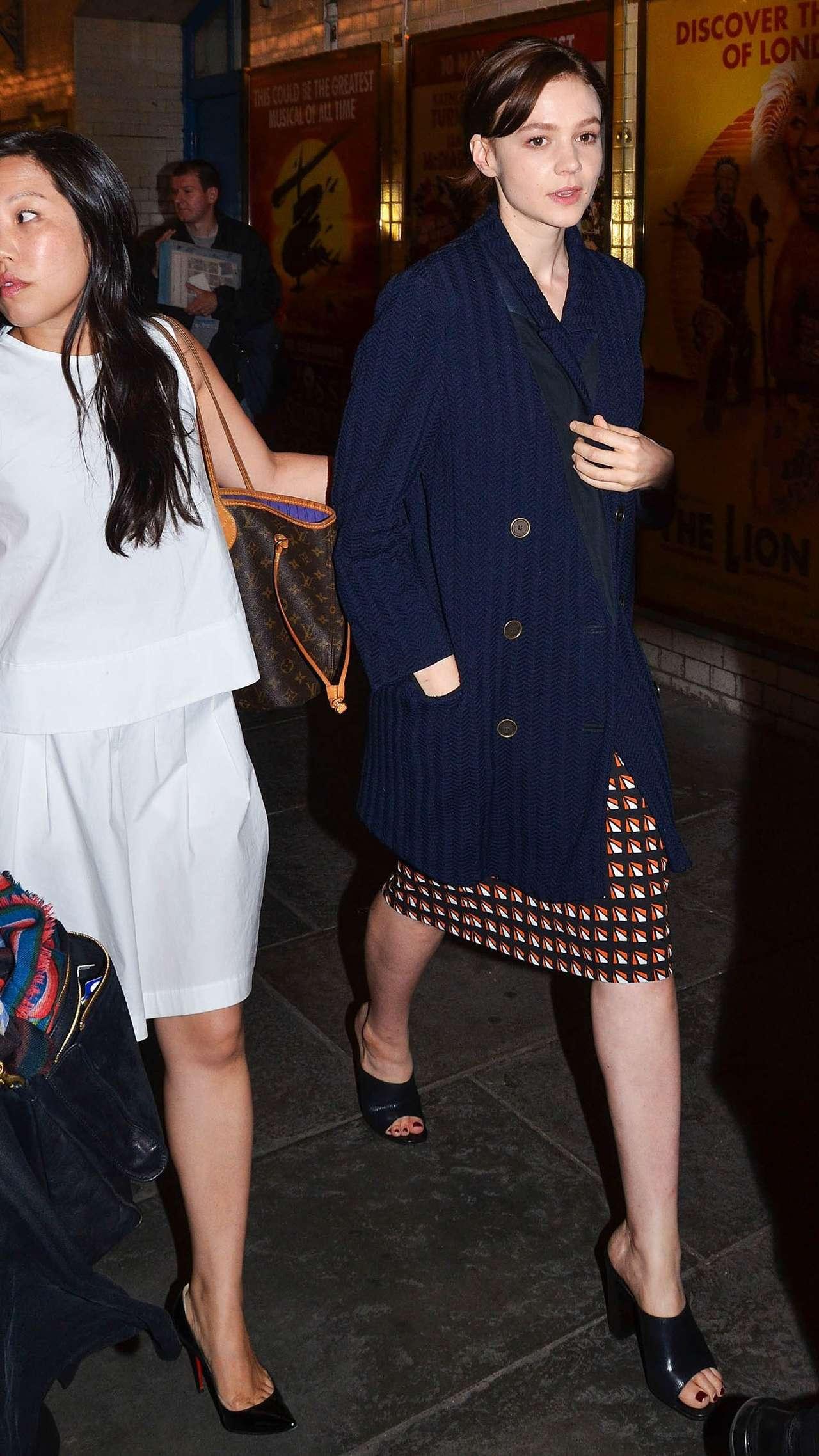 Carey Mulligan 2014 : Carey Mulligan arriving at Skylight press night -01