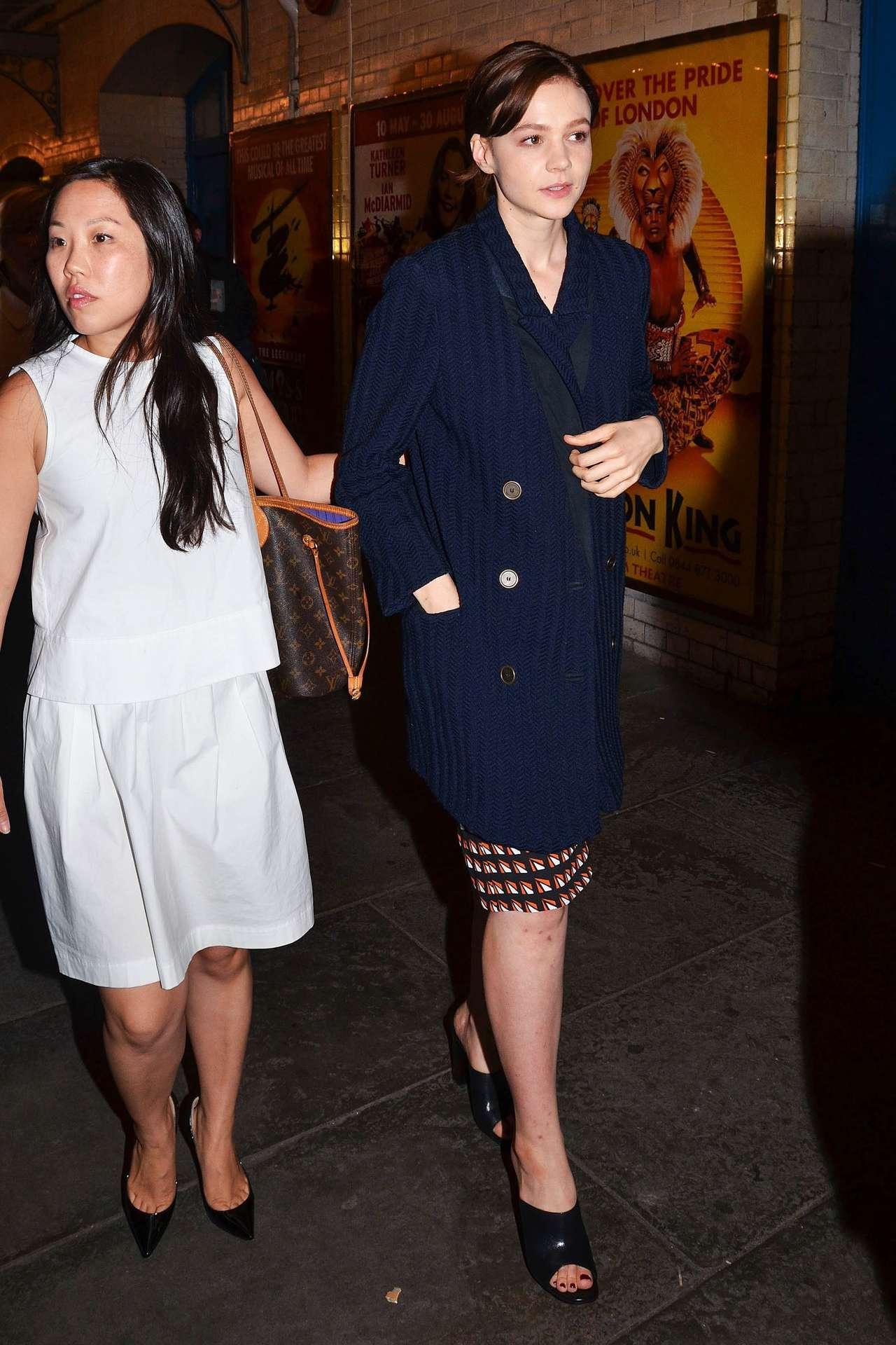 Carey Mulligan 2014 : Carey Mulligan arriving at Skylight press night -02