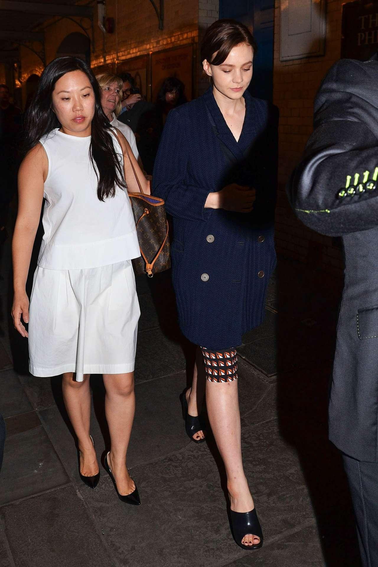Carey Mulligan 2014 : Carey Mulligan arriving at Skylight press night -08