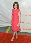 Carla Gugino: Philomena Premiere -09