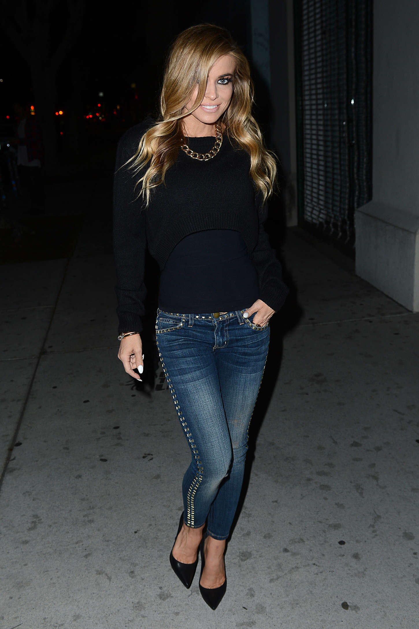 Carmen Electra Booty in Jeans at LAX -12   GotCeleb