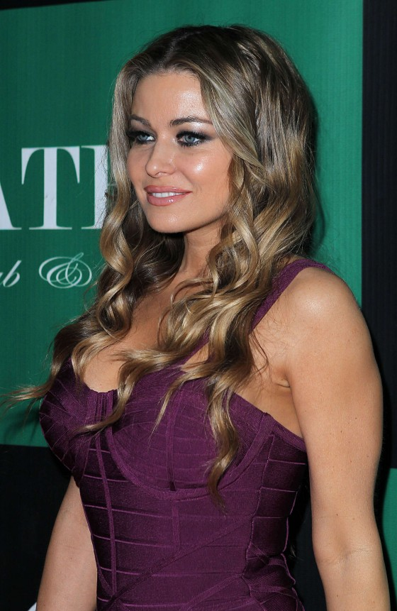 Carmen Electra cleavage at the Chateau Nightclub-07