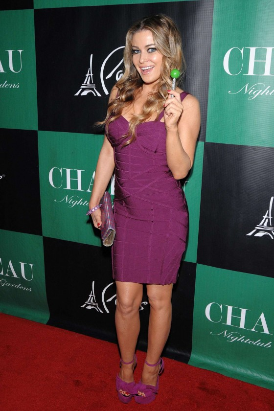 Carmen Electra cleavage at the Chateau Nightclub-19