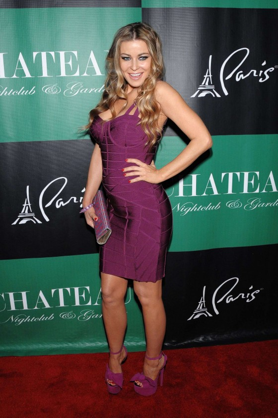 Carmen Electra cleavage at the Chateau Nightclub-21