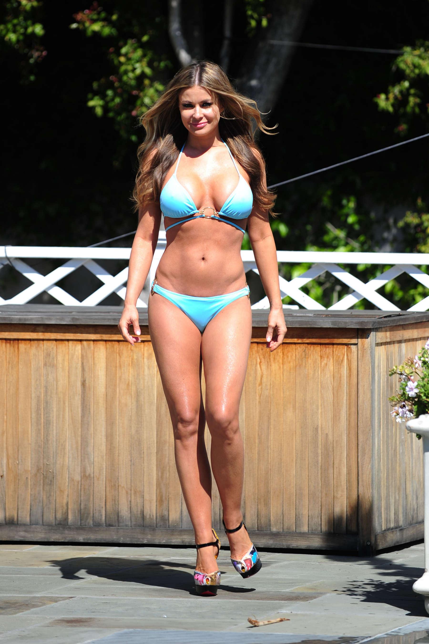 Back to post Carmen Electra – Bikini photoshoot at her house in LA: http://www.gotceleb.com/carmen-electra-bikini-photoshoot-at-her-house-in-la-2012-05-09.html/carmen-electra-bikini-photoshoot-at-her-house-in-la-26