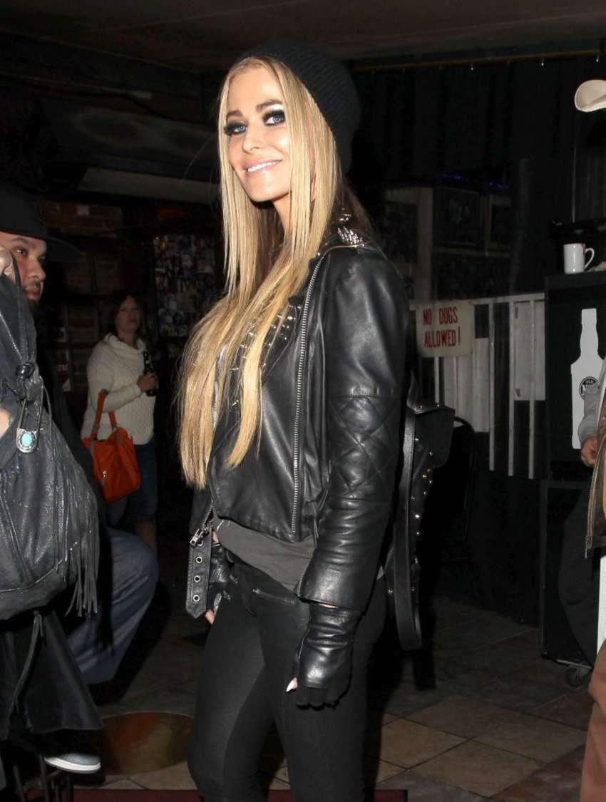 Carmen Electra In Leather 11 Gotceleb