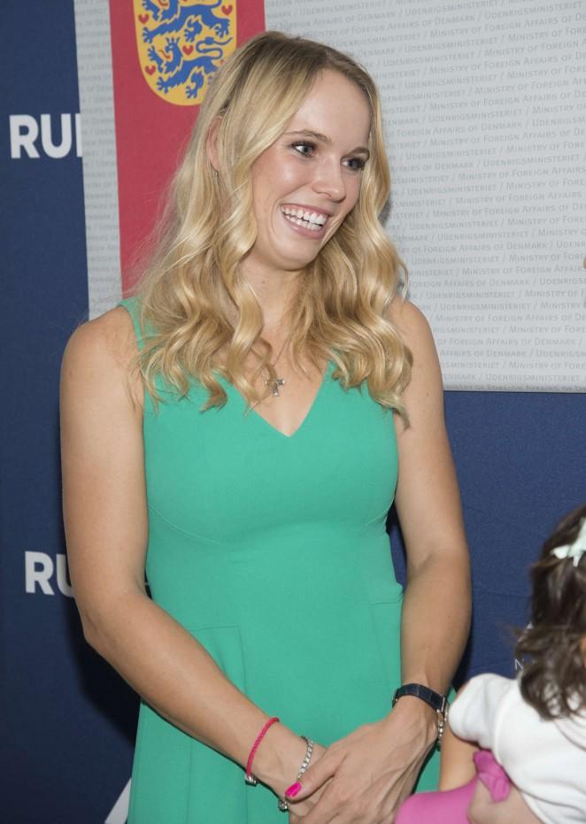 """Caroline Wozniacki – New York Road Runners """"Team for Kids"""" Program"""
