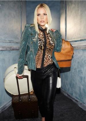 Carrie Keagan: Bello Magazine -04