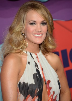 Carrie Underwood - 2014 CMT Music Awards in Nashville-04