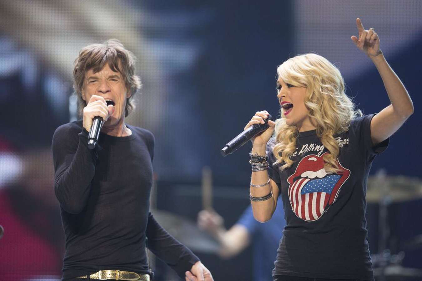 Carrie Underwood and The Rolling Stones on stage in ...