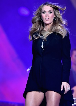 Carrie Underwood - Performs Live at the 2014 Global Citizen Festival in NYC