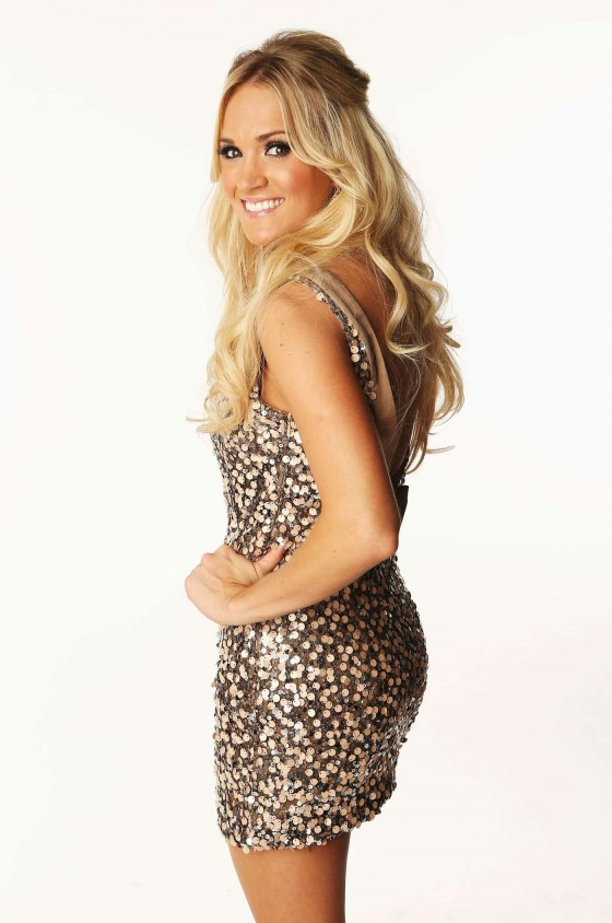 Carrie Underwood Hot and leggy on CMT Music Awards 2012 Portraits